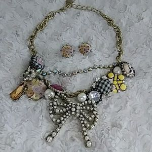 BETSEY JOHNSON VINTAGE PEARL BOW CAT NECKLACE